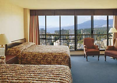 Twin Room With Stanely Park & Water View Coast Plaza Hotel & Suites 7 of 9