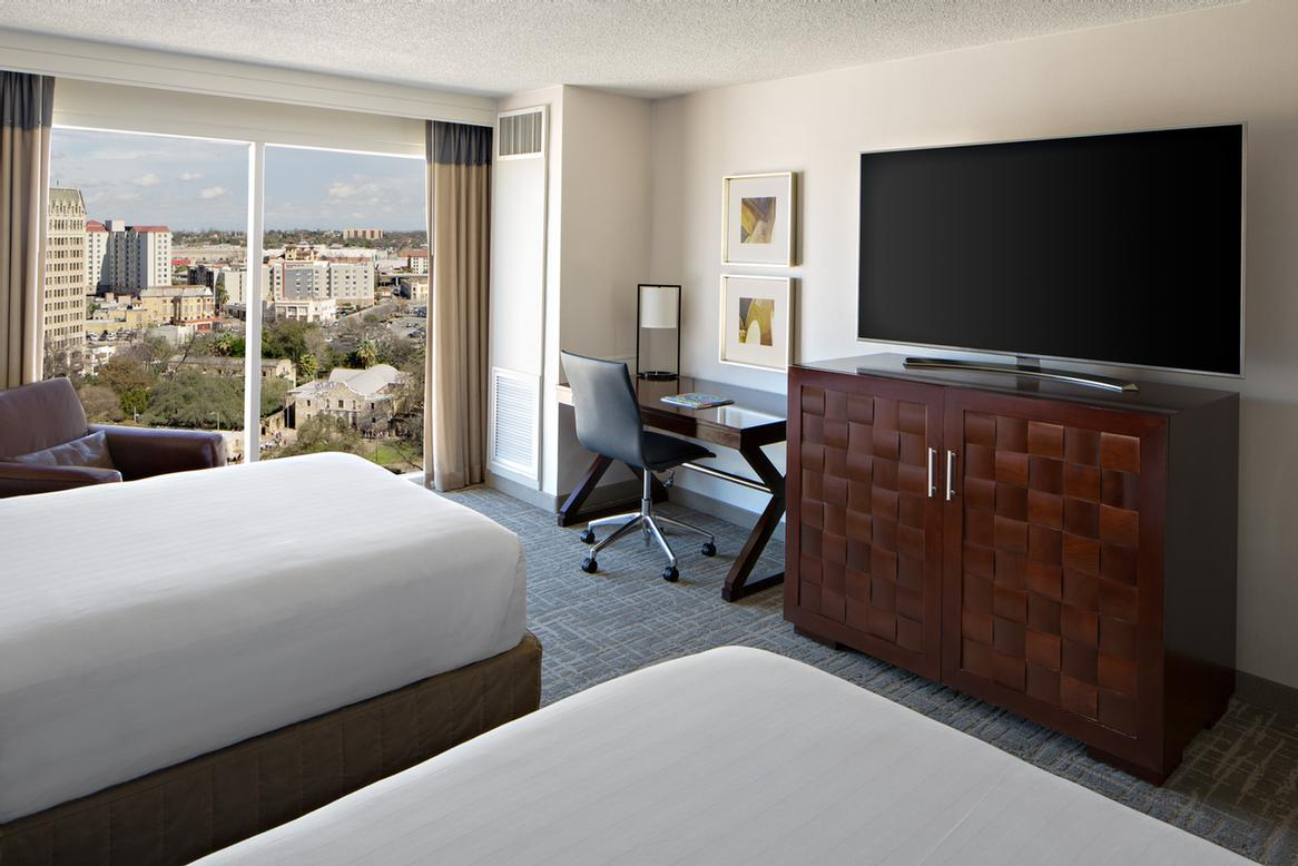 Alamo View Double/double Guestroom 4 of 15