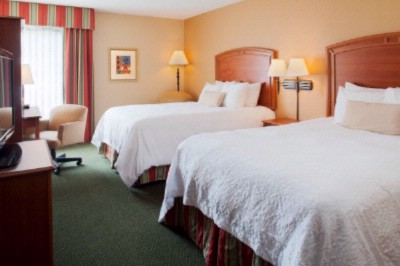 Our Two Queen Bedrooms Are Convenient For Multiple Guests. 4 of 13