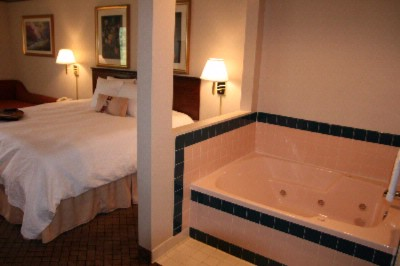 Jacuzzi Room 8 of 11