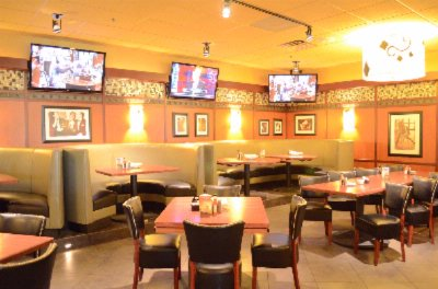 Chicago\'s Famous Bar Louie Restaurant 19 of 20