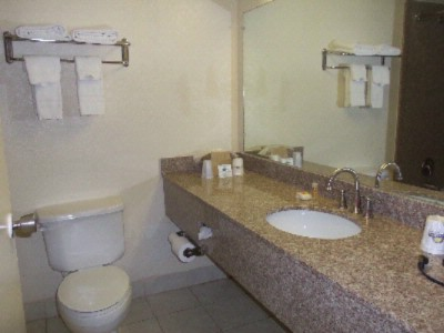 Bathroom 4 of 7