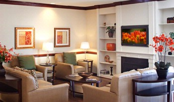Enjoy 24 Hour Tea & Coffee Service In Our Cozy Lobby! 4 of 10