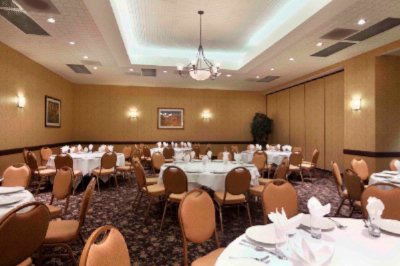 Easily Plan A Reception Or Gala 18 of 21