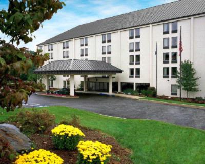 Image of Holiday Inn Express Hotel & Suites York