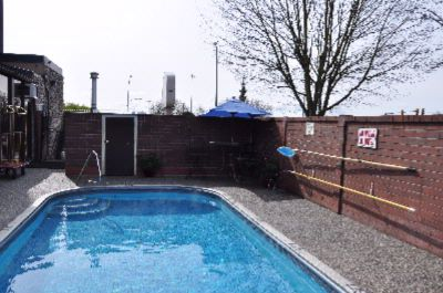 Year Round Heated Swimming Pool 7 of 10