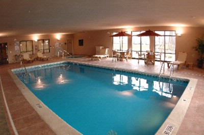 Indoor Pool & Whirlpool 5 of 7