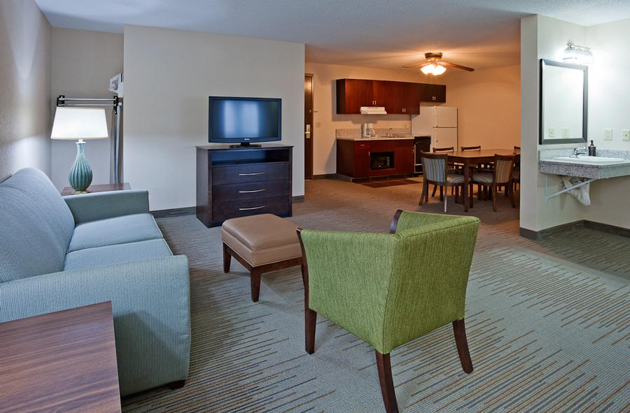 Holiday Inn Express & Suites Vadnais Heights 1 of 8