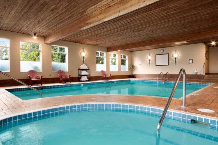 In-Door Swimming Pool And Hot Tub 6 of 19