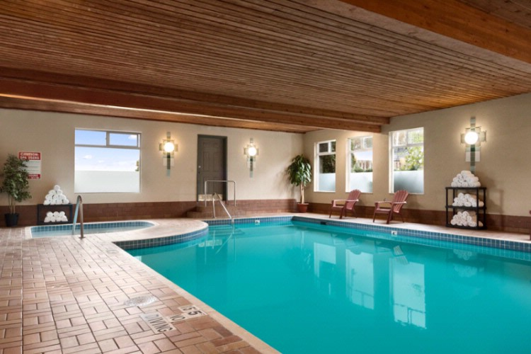 In-Door Swimming Pool And Hot Tub 7 of 19
