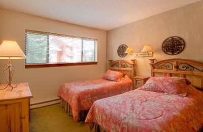 2nd Bedrooms With Queen Beds Or 2 Twins 13 of 15