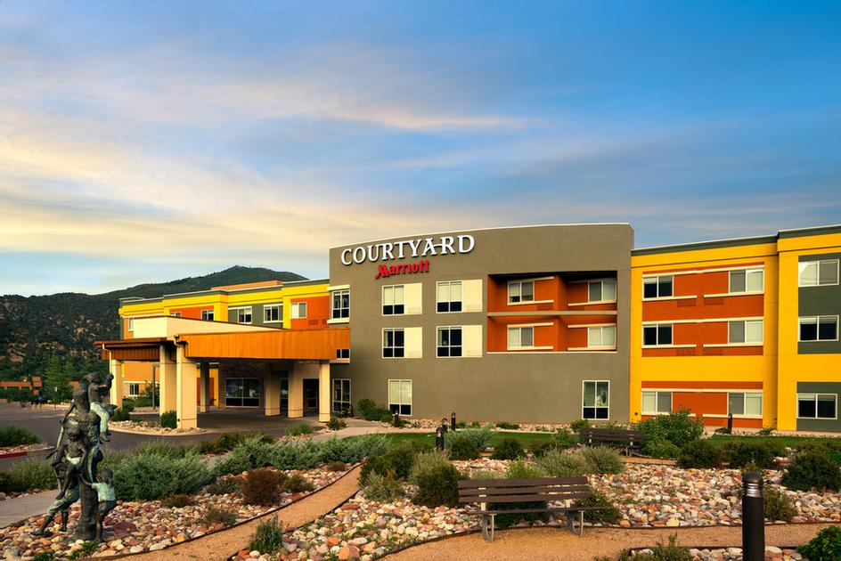 Courtyard by Marriott Glenwood Springs 1 of 10