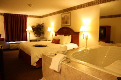 King Size Jacuzzi Room 9 of 16