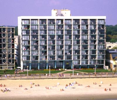 Comfort Inn & Suites Oceanfront 1 of 15