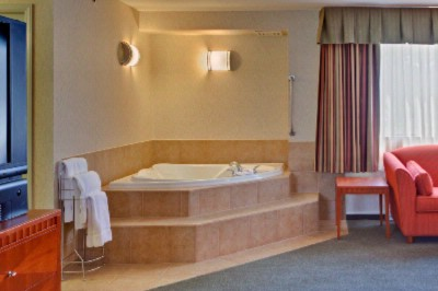 Jacuzzi Room 10 of 16