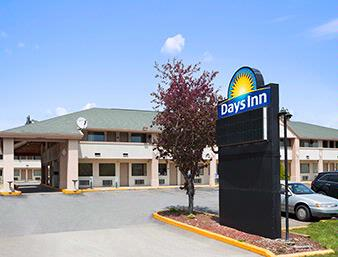 Days Inn 1 of 14