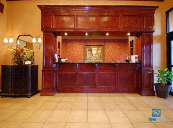 Front Desk 4 of 29