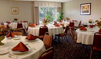 Willamette Room Features 750 Sq. Ft. Of Flexible Meeting Space With A View! 6 of 15