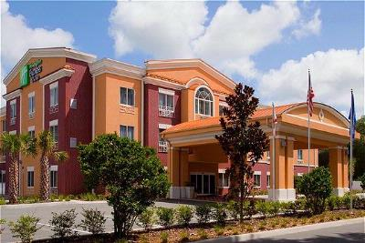 Image of Holiday Inn Express Hotel & Suites Brooksville