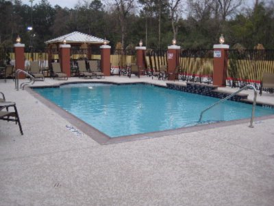 Outdoor Swimming Pool 10 of 16