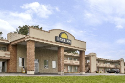Days Inn St Louis North Airport 2 of 6