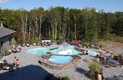 Adults Geyser Pool And Spa 13 of 16