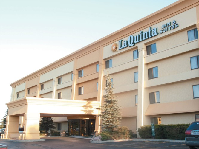 La Quinta Inn & Suites 1 of 7
