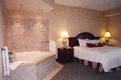 Jacuzzi Suite 4 of 6
