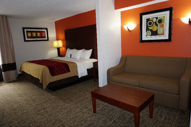 Comfort Inn Greensboro Wendover 1 of 26
