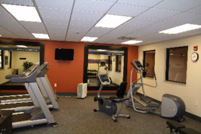 Fitness Center 10 of 16