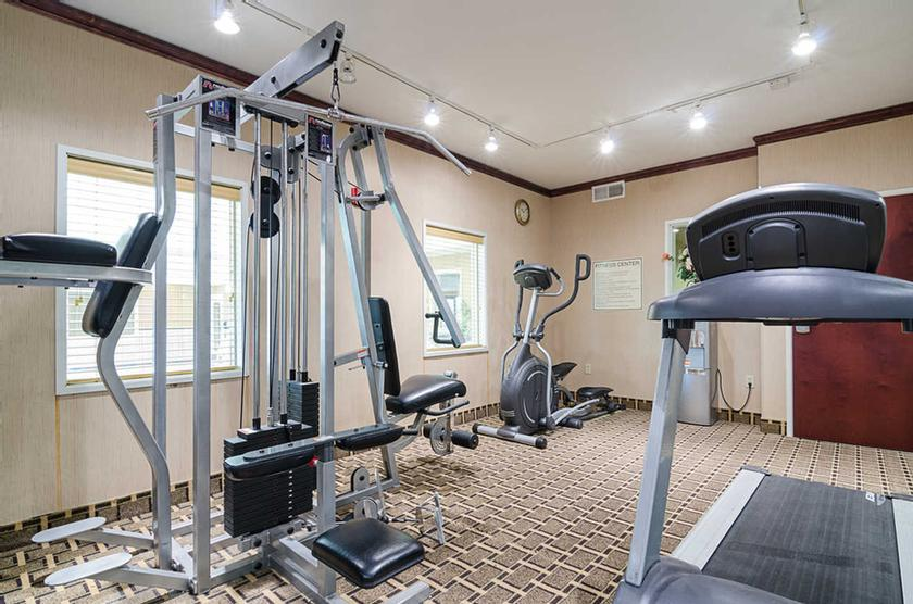 Fitness Center 25 of 29