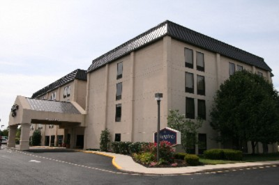 Hampton Inn Dover 2 of 9
