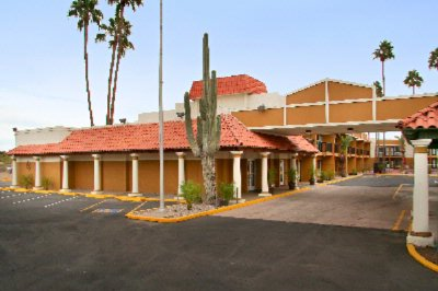 Econo Lodge Inn & Suites 1 of 16