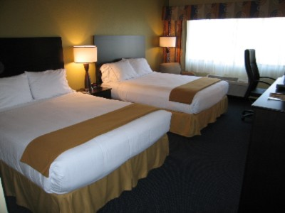 Redecorated Guestrooms Include Pillow-Top Mattresses & Micro/frig 8 of 15