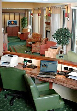 Our Business Center Features A Desktop Computer With Complimentary High-Speed Internet Access And A Printer. Wireless Internet Is Available Throughout The Area And A Laptop Port Is Also There For Your Convenience. 4 of 17