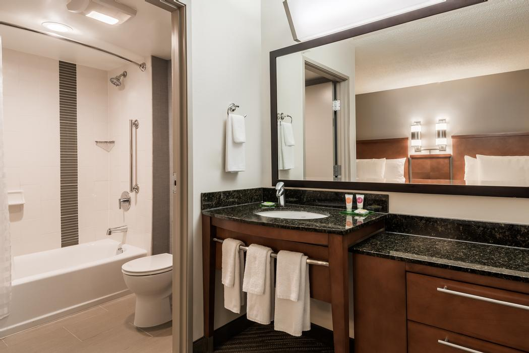 Spacious Vanity And Combination Tub/shower In Double Bed Rooms 13 of 14