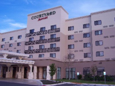 Courtyard by Marriott San Antonio Six Flags at The 1 of 15