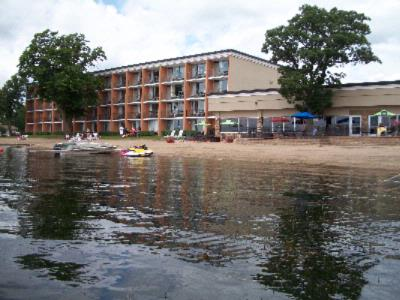 Holiday Inn On The Lake 2 of 19