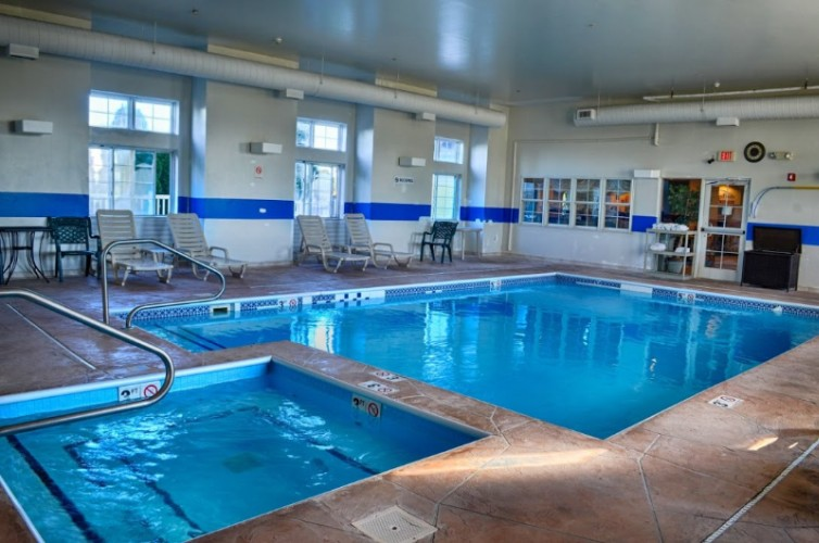 Indoor Pool & Spa 5 of 13
