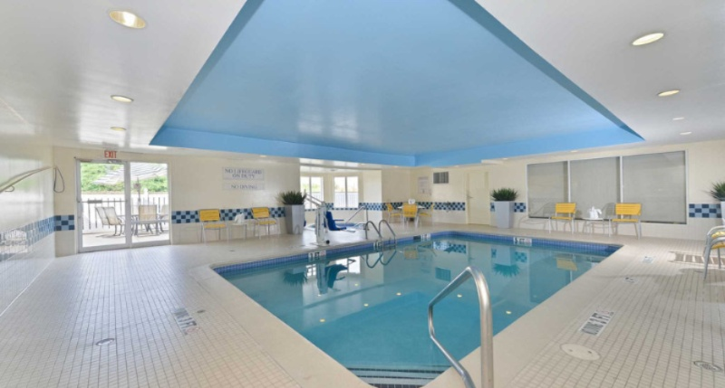 Indoor Pool 6 of 7