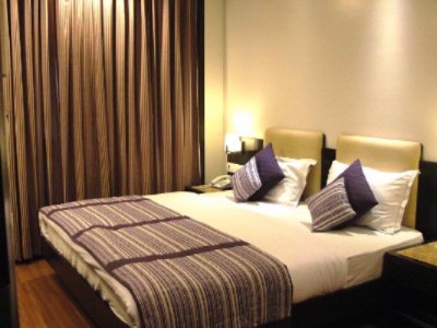 Executive Room 2 of 9