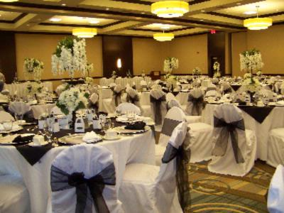 We Specialize In Simple To Upscale Weddings 14 of 15