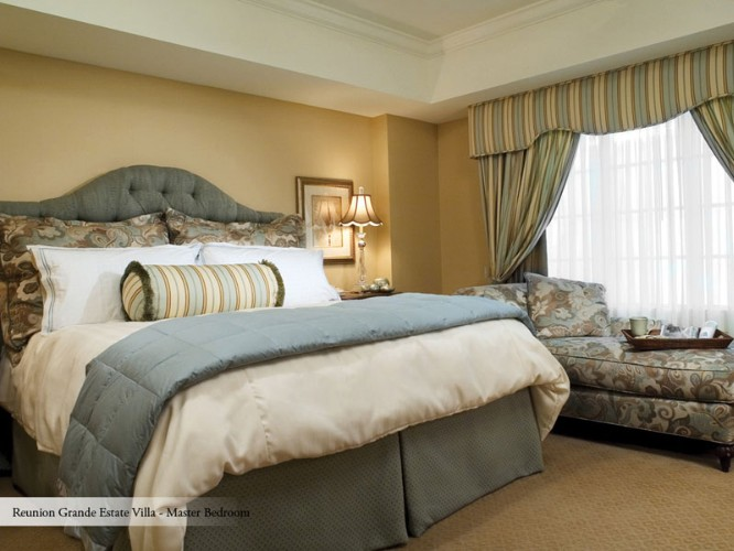 Grande Suite Master Bedroom 4 of 16