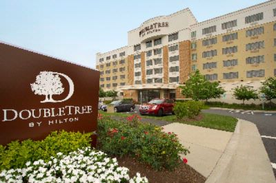Doubletree by Hilton Sterling Dulles Airport 1 of 23