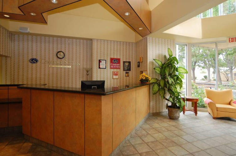Front Desk 15 of 15