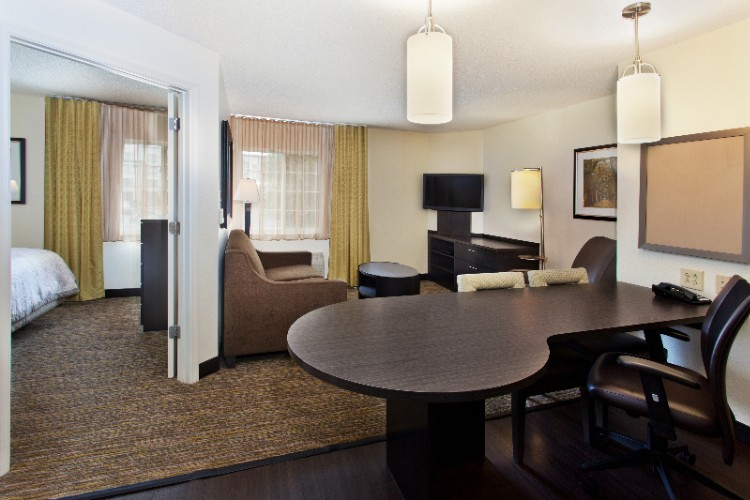 Enjoy Our Spacious 1 Bedroom Suites 5 of 11