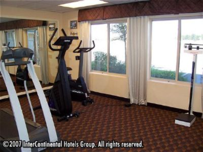 Holiday Inn Express -Nellis Fitness Center 7 of 9