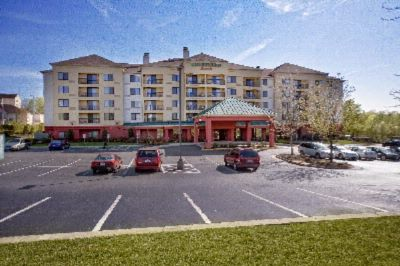Courtyard by Marriott Richmond / Chester 1 of 5