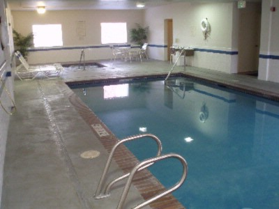 Indoor Swimming Pool And Whirlpool 4 of 6