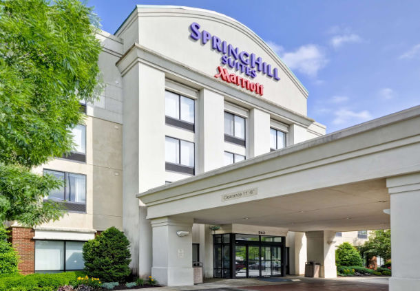Springhill Suites Entrance 2 of 5